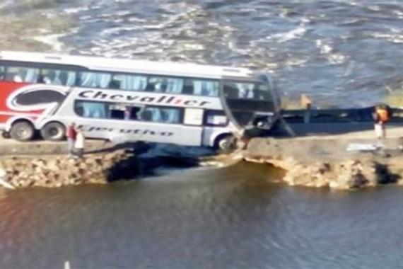 crash-bus-15-04-2014